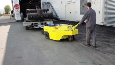 Xerowaste.ca | V-Move 3XL electric load mover | heavy-duty Industrial tugger