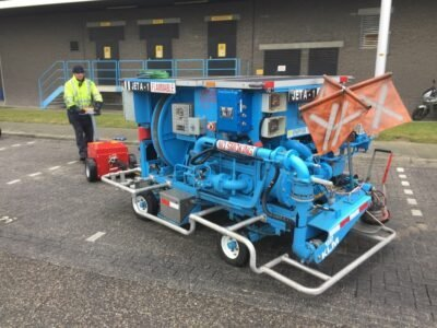 Xerowaste.ca | V-Move XL+ electric tug moving aircraft fueling pump | Industrial electric pedestrian tug