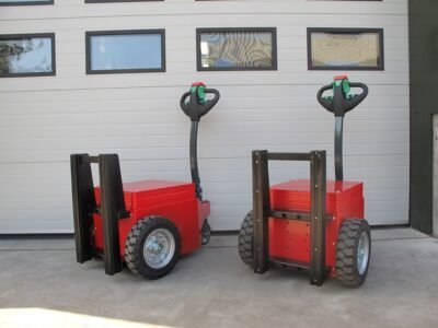 Xerowaste.ca | V-Move XL load mover tug or pusher tug. Can push carts, vehicles, anything on wheels.