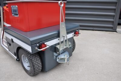Xerowaste V-Move 650 electric tug hitches | Vehicle tug | Stock chaser | Cart mover