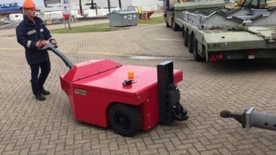 Xerowaste.ca | V-Move 3XL heavy-duty electric tug with lifter | Industrial load mover
