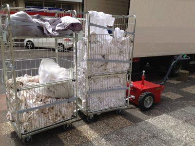 Xerowaste.ca | Carros móviles para ropa blanca V-Move XL | Transportador de remolques | Remolcador de contenedores | Transportador de contenedores