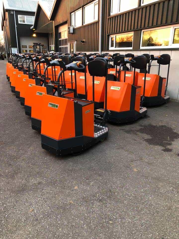 Xerowaste.ca | Tracteur de remorquage V-Move 1200 prêt à être livré | Chasseur de stock | Remorqueur électrique industriel