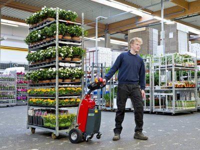Xerowaste.ca | Remolcador de carro V-Move S que mueve plantas en carro | transportador de carga industrial o remolcador