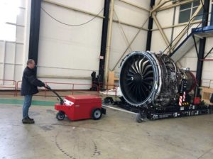 Xerowaste V-Move XXL moving aircraft engine | Industrial tug | Airplane push back tug