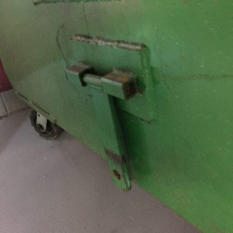Xerowaste.ca | V-Move tugs - WC dumpster mover bin tug tow tab